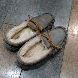 Ugg Dakota slipper